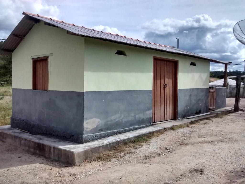 Carlão Corretor de Imóveis www.carlaoimoveismg.com.br #455F86 1025x769 Balança De Banheiro Em Goiania